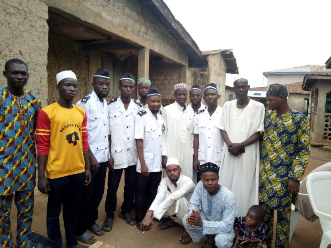 Omi-Adio Dil'a pays visits to new Community Chief Imam